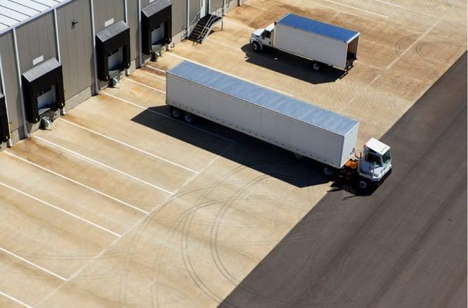 trucks_warehouse_back